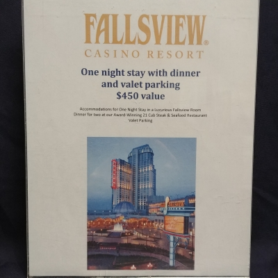 1 Night Stay with Dinner & Valet Parking at Fallsview Casino