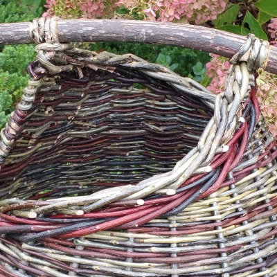 Asymmetrical bicolour willow basket detail