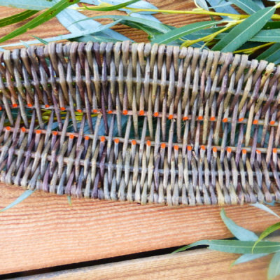 Detail willow leaf tray