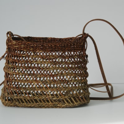 Small purse Burkina weave woven with Rubykins and Belgian Red